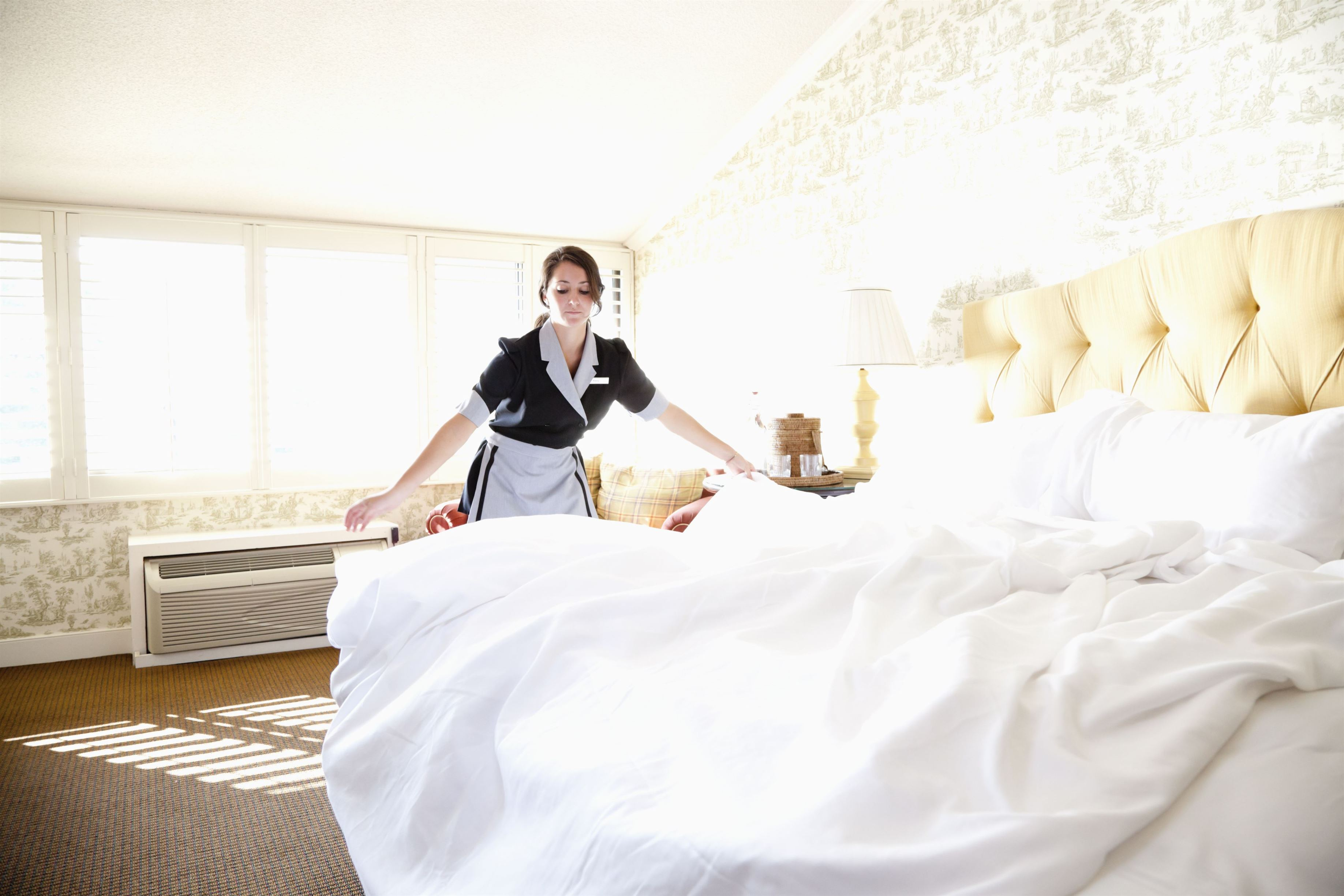1435605514 hotel maids cleaning secrets